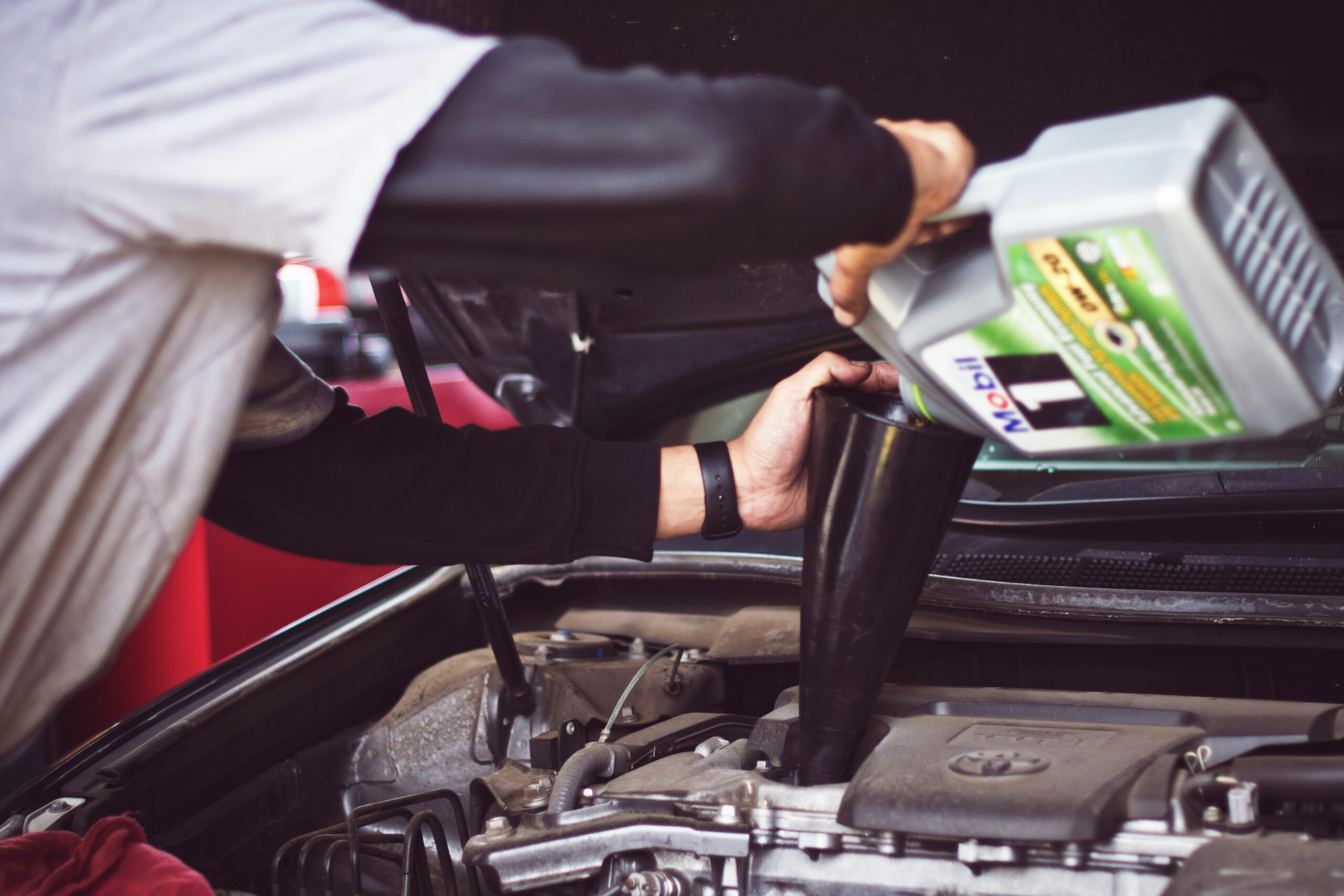Why Is It Better to Trust Your Garage with an Oil Change? MILTA Technology